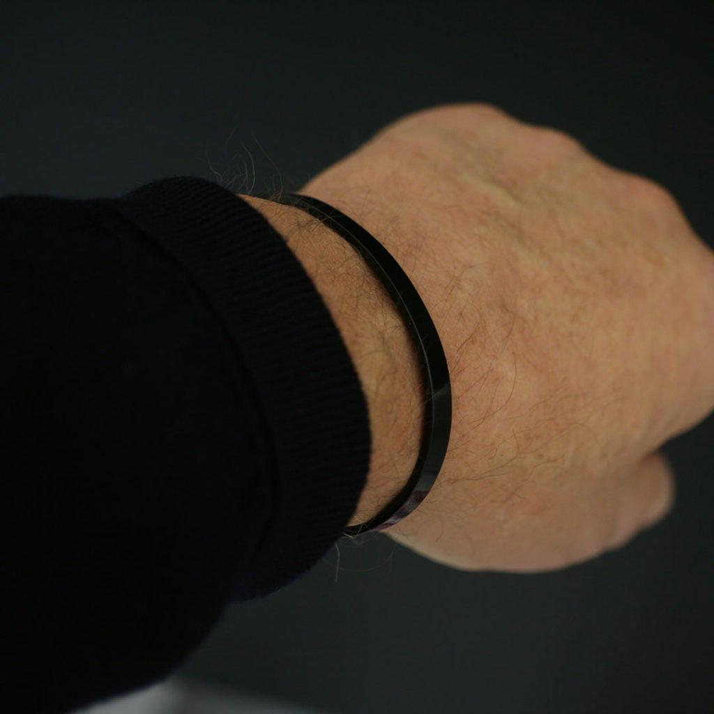 Svart Stålarmband